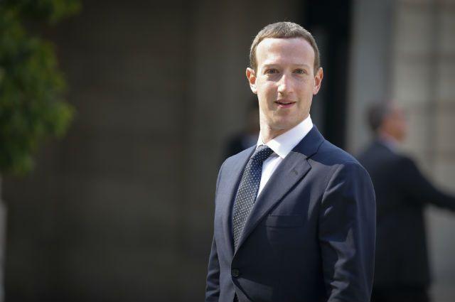 СМИ: Цукерберг запретил пользоваться iPhone в офисе Facebook
