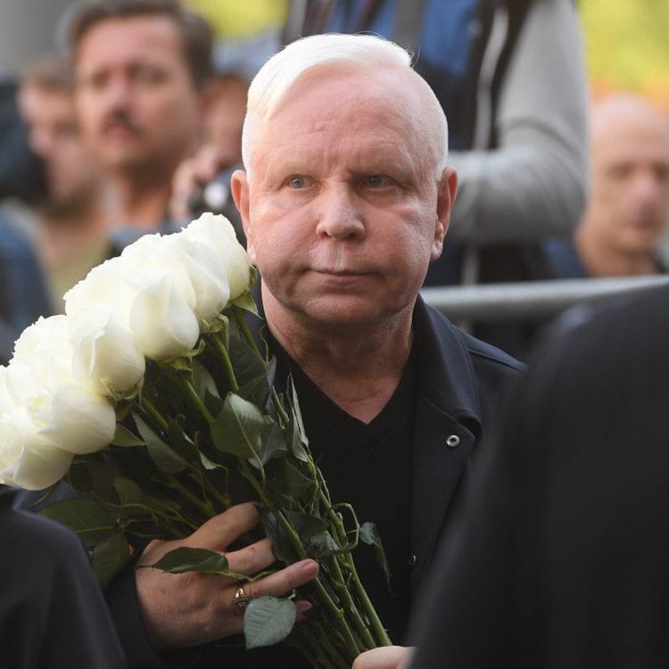 Поклонники всерьез переживают за сильно изменившегося после инсульта Бориса Моисеева