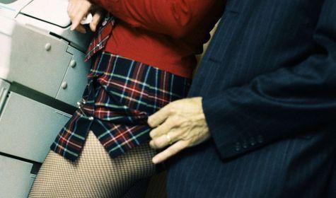 Сексуальный шантаж женщин
