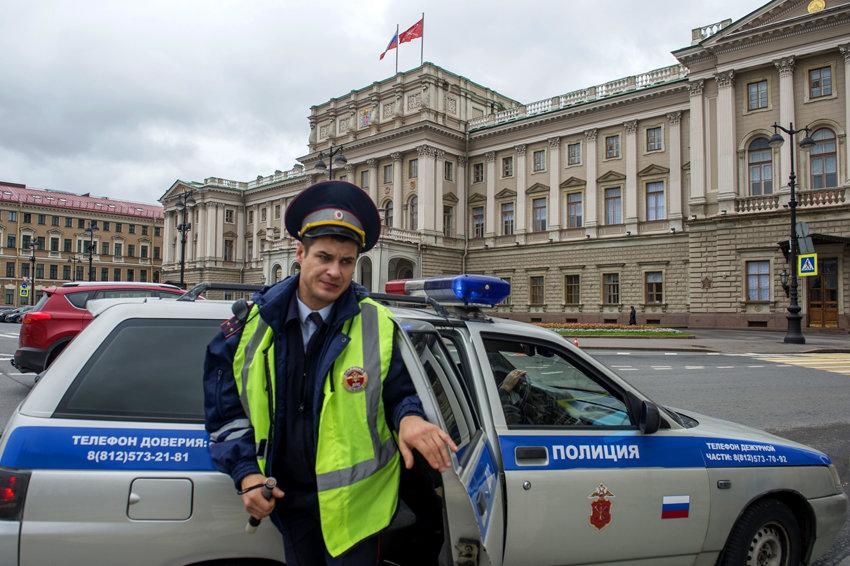 В Петербурге депутаты смогут оштрафовать чиновников