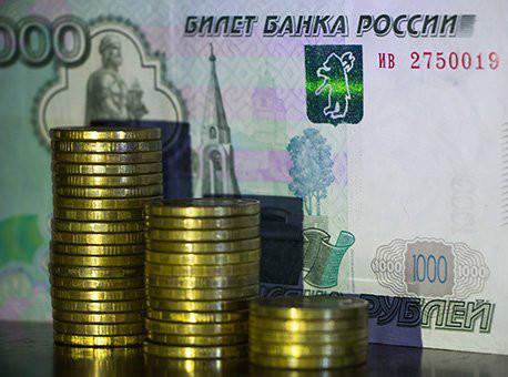 Компании сыграли против рубля, анаселение забирало деньги изгосбанков