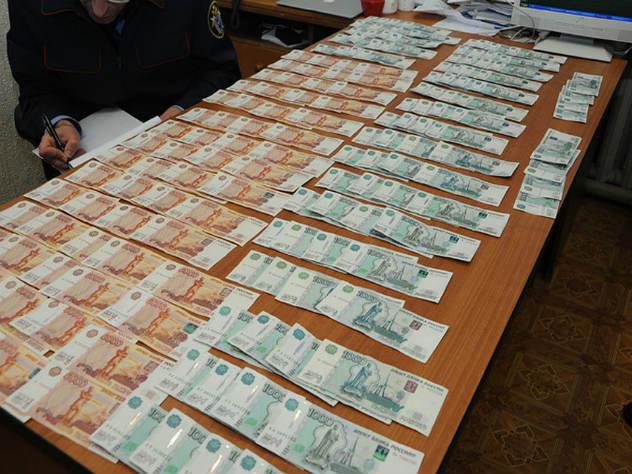 За крупную взятку арестован чиновник Росавиации