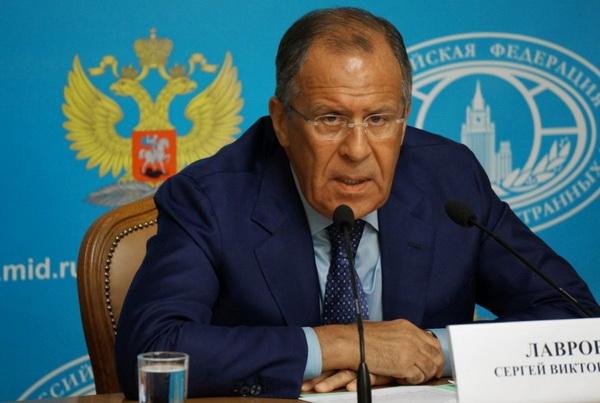 """Лавров назвал действия в Сирии коалиции под руководством США """"потаканием террористам"""""""