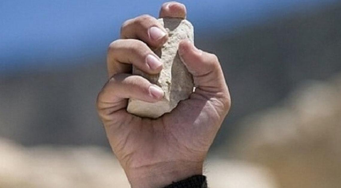 «Напоминание»: Притча о неуслышанной просьбе и камне