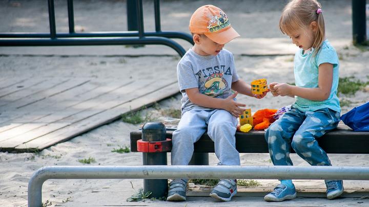 Заберут в любой момент: Сто причин остаться без ребёнка в России