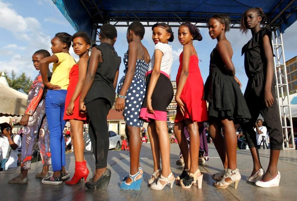 Красота в трущобах: конкурс красоты Мисс Кох в Кении.