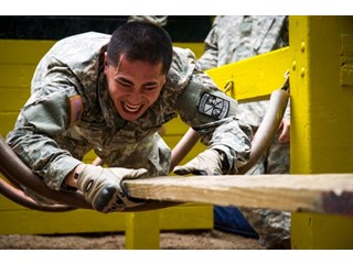 Министр обороны США: «Сомкните ряды, пока в стране не наступит порядок»