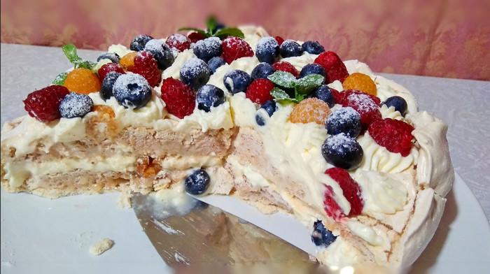 Воздушный торт из безе и ягод Торт, Торт безе, Десерт, Видео, Длиннопост, Кулинария, Рецепт, Безе