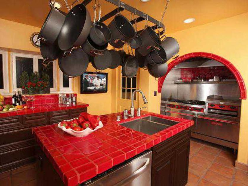 10 кухонь потрясающего цвета