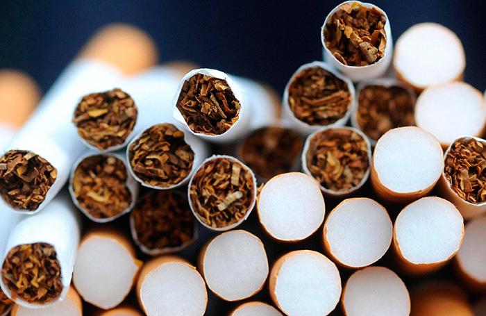 Пачки сигарет в России могут стать одинаковыми