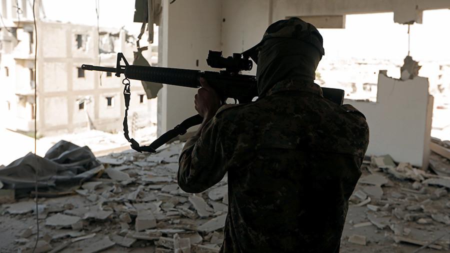 Американские спецслужбы вывозят из района Дейр-эз-Зора главарей ИГ