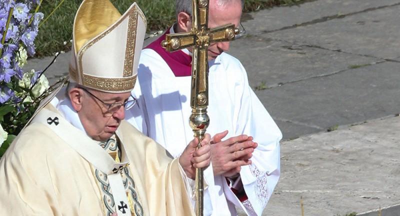 Папа римский пожелал мира Сирии, Украине и Корее