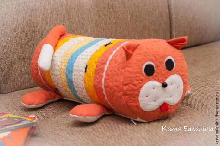 Шьем полезную подушку-игрушку «кот» — МК