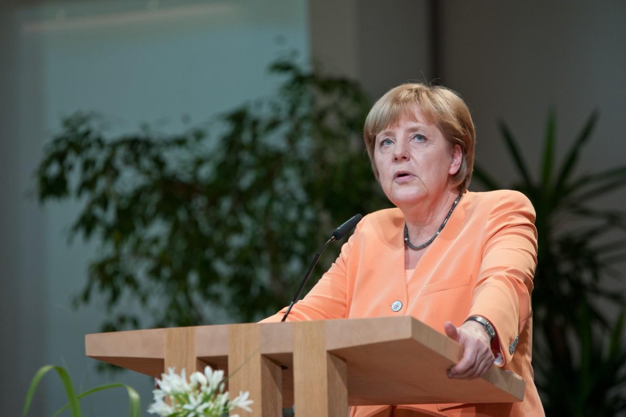 СМИ написали, что Меркель ви…