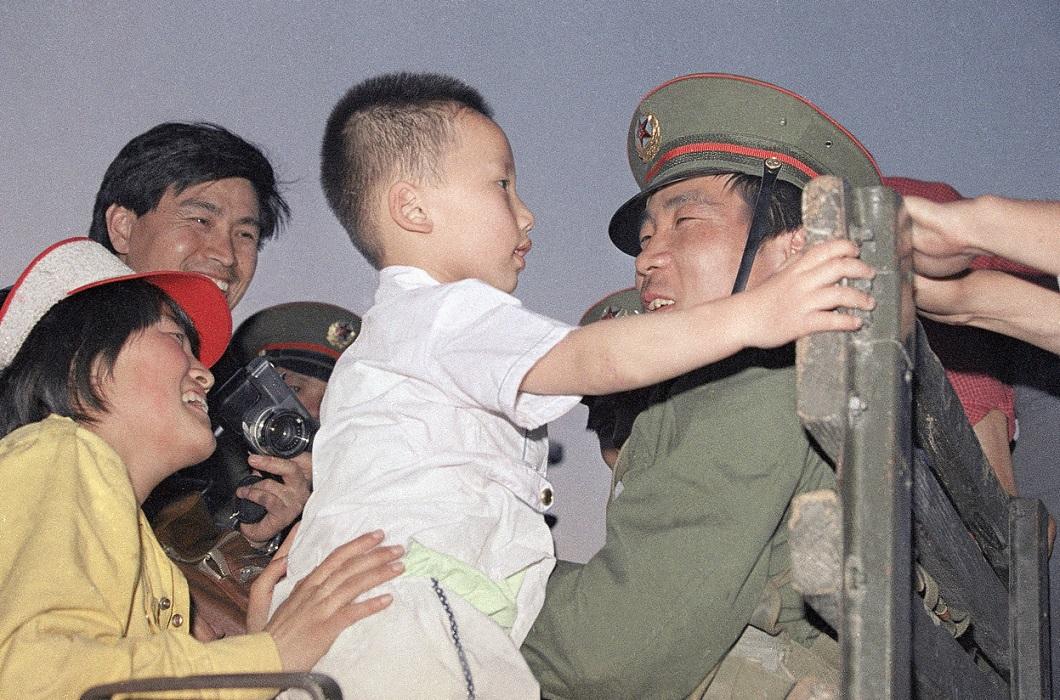 Tiananmen Square 8 Расстрел демонстрантов на площади Тяньаньмэнь 25 лет назад