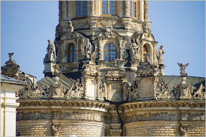 Церковное зодчество в европейском стиле. /Фото:mochaloff.ru
