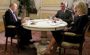 Журналистка NBC Мегин Келли заподозрила, что у Путина «что-то есть» на Трампа