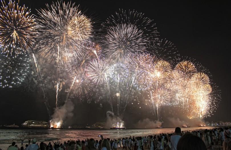 Причудливые новогодние традиции разных стран