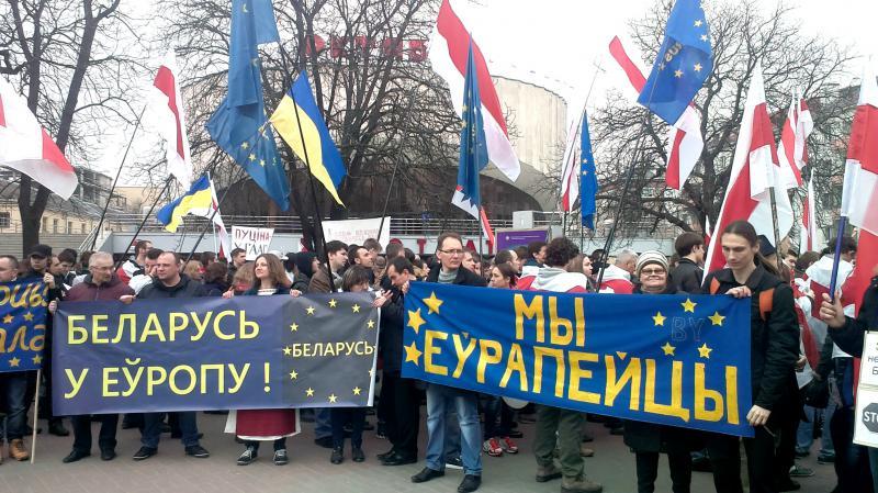 В Белоруссии угрожают убивать русофилов и закапывать в лесу