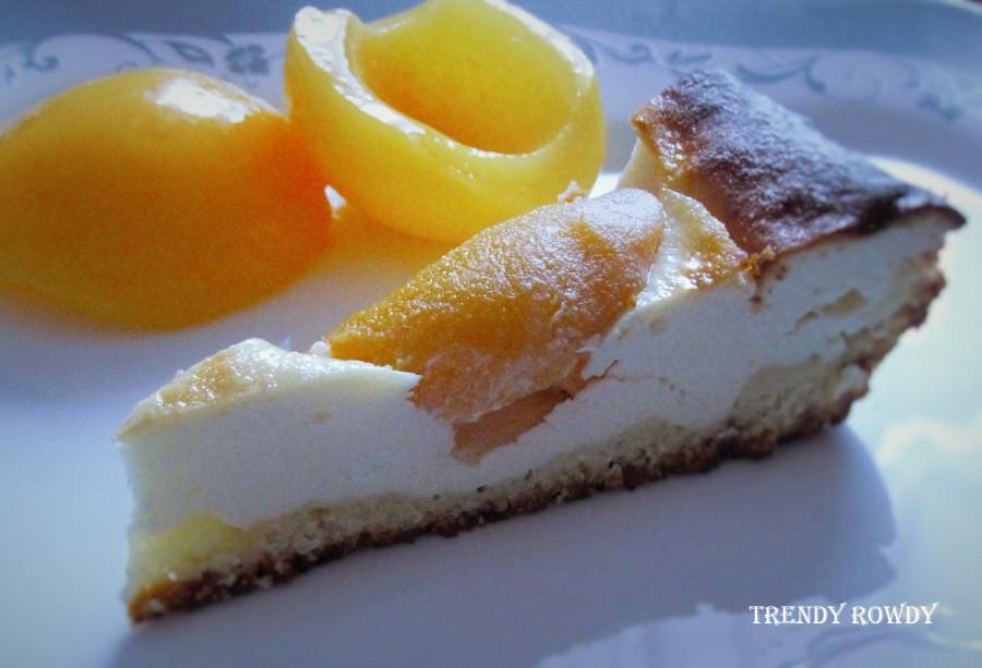 Творожный тарт с персиками