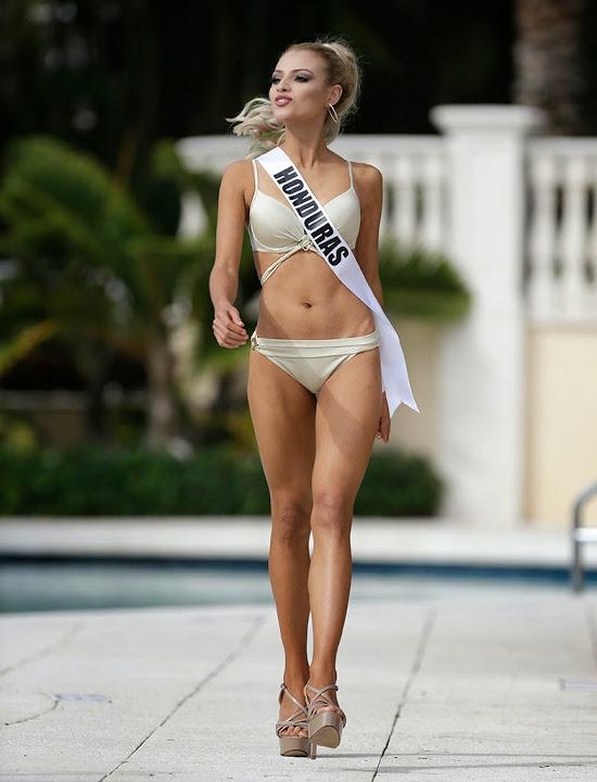 Шоу купальников претенденток на звание «Мисс Вселенная 2015»