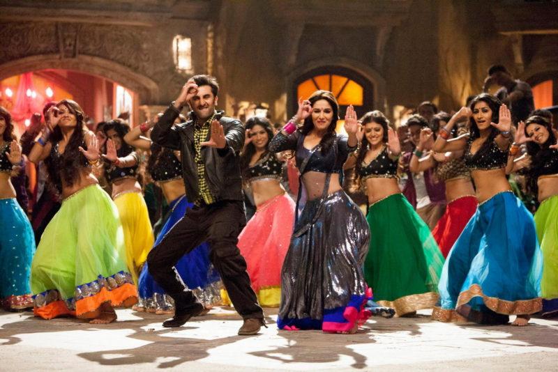 Тысяча танцующих индийцев испортила отдыхающим круиз