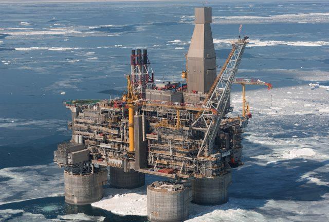 Добыча нефти на Сахалине зам…