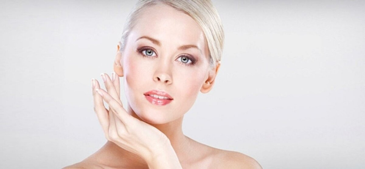 """Не травмируйте кожу интенсивным массажем. Лёгкие """"вбивания"""" подушечками пальцев произведут лучший эффект"""