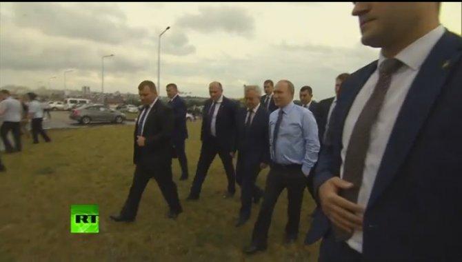 Путин остановил кортеж, чтоб…