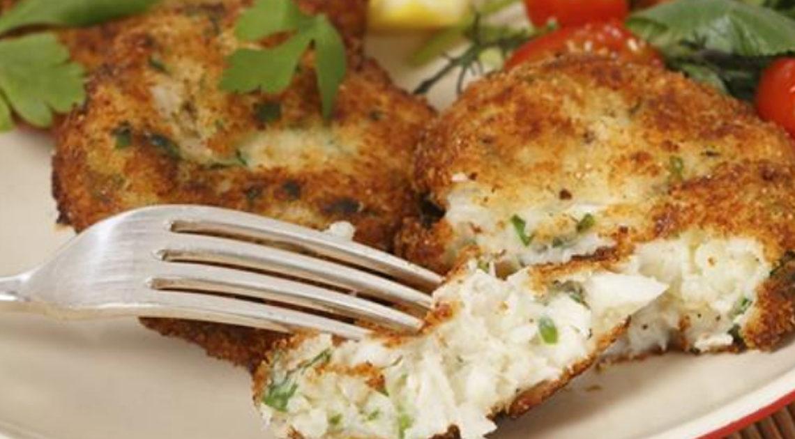 Рыбные котлеты, смело можно назвать очень полезным и низкокалорийным блюдом