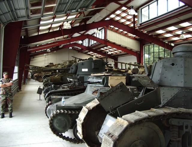 Актуально - музей распродает танки