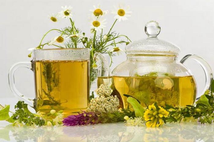 Полезные чаи на травах и с медом