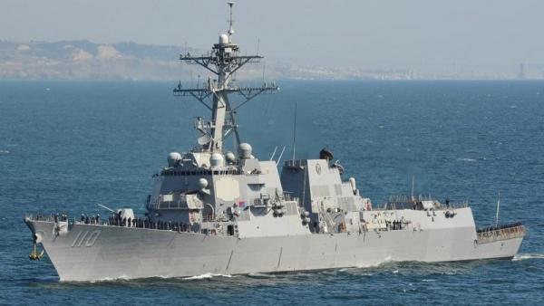 Американский эсминец нарушил территориальные воды Китая