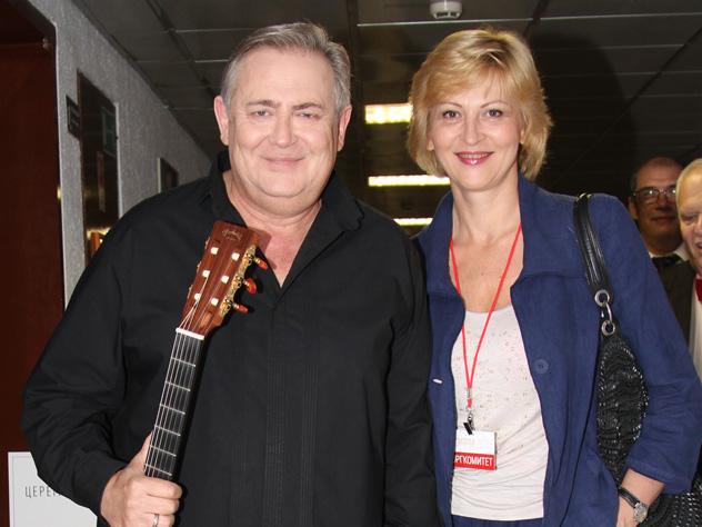 Жена Юрия Стоянова опровергл…