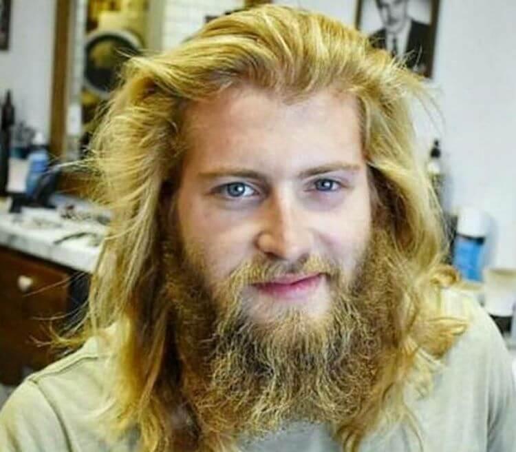Парень хотел лишь немного подстричь бороду. Но парикмахер сделал по-своему!