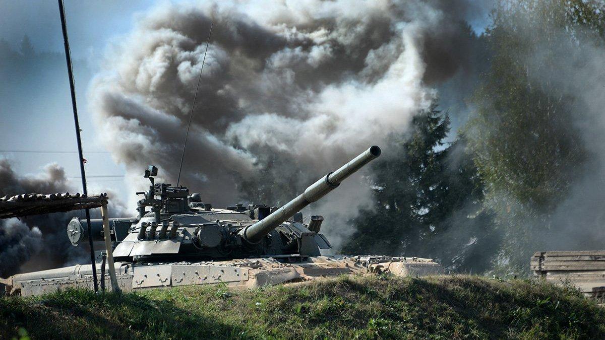 На съемках фильма в Калужской области под гусеницами танка погиб каскадер