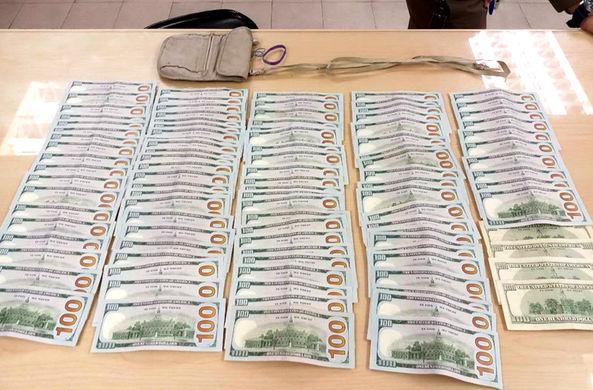 Тайский таксист вернул туристу $10 000
