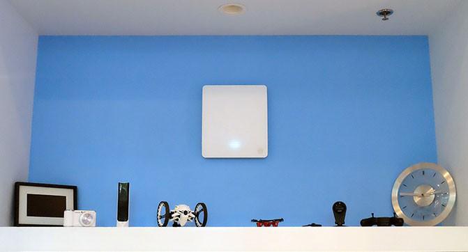 Технология Energous позволяет передавать энергию беспроводным способом на расстояние до 4,7 метра