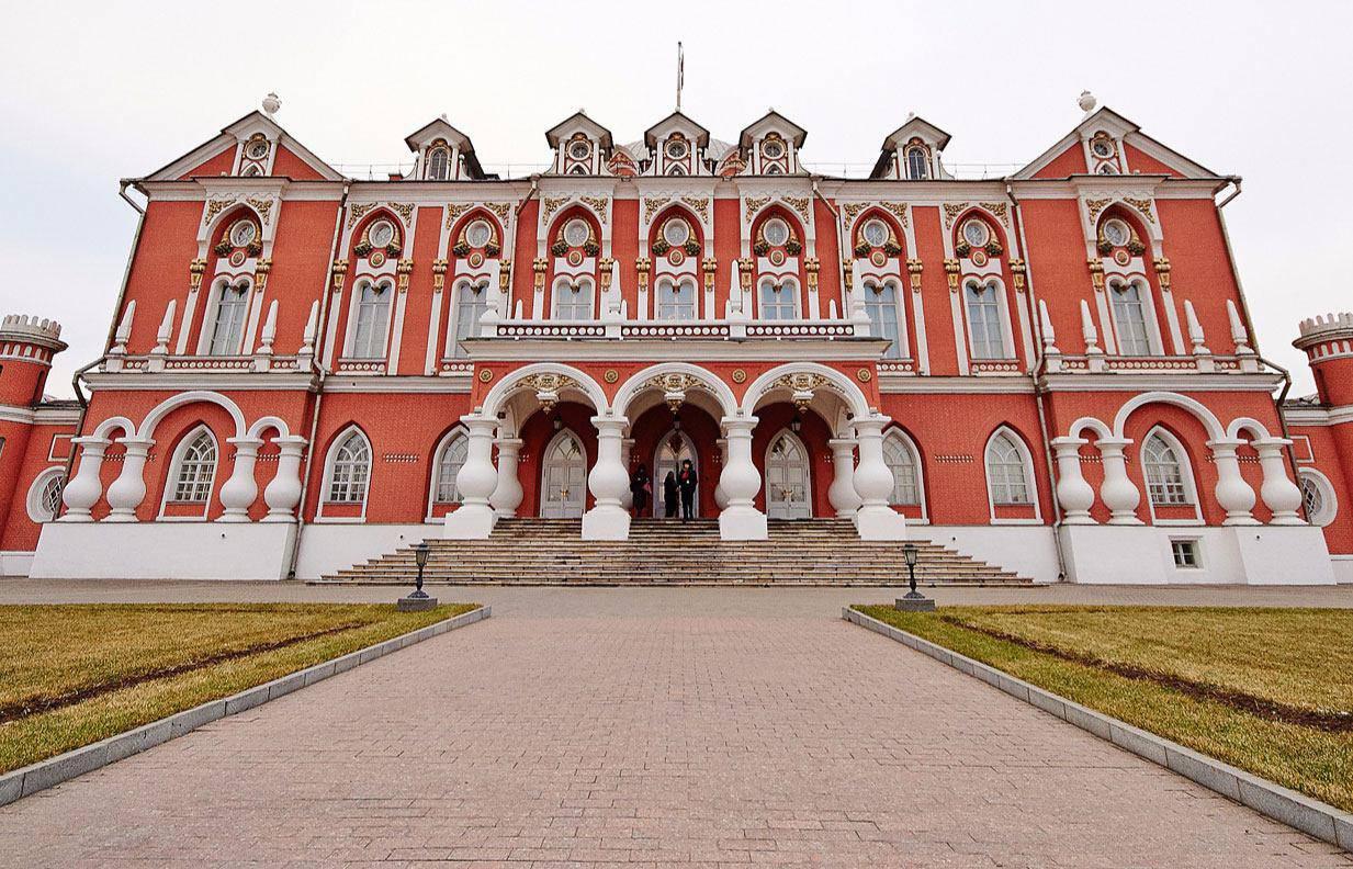 Уникальный облик Москвы: в столице активно реставрируют памятники архитектуры