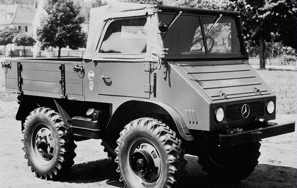 pMercedes-Benz Unimog образца 1948 года. Позже он раза в два увеличился в размерах, заставляй конструкторов других стран мечтать о такой же грузоподъемности и проходимости автомобилей их авторства./p