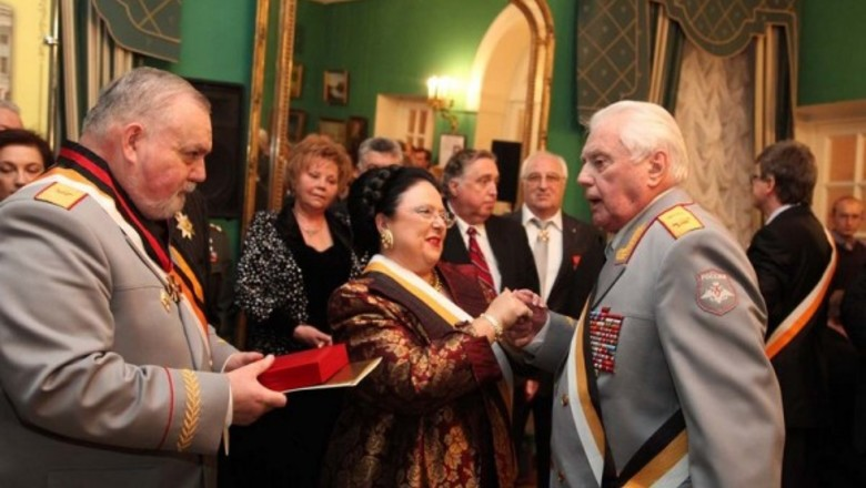 Строем - во дворянство! Российская элита присягает самодержавию