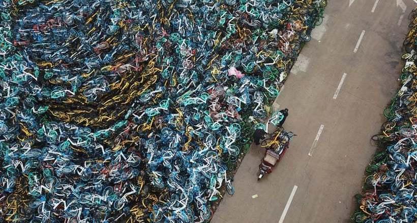 Фото дня: свалка велосипедов в Китае