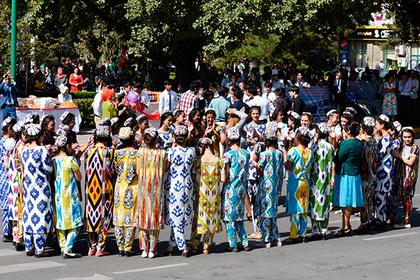 В Таджикистане поставили на учет всех нетрадиционалов