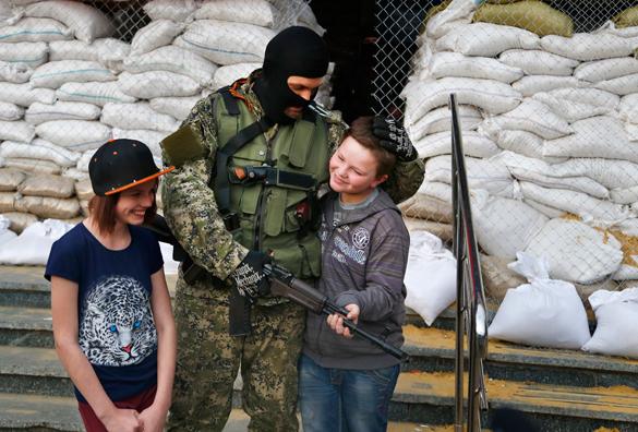 Донецкая народная республика опубликовала обращение к славянской цивилизации. Донбасс просит референдума и ждет миротворцев