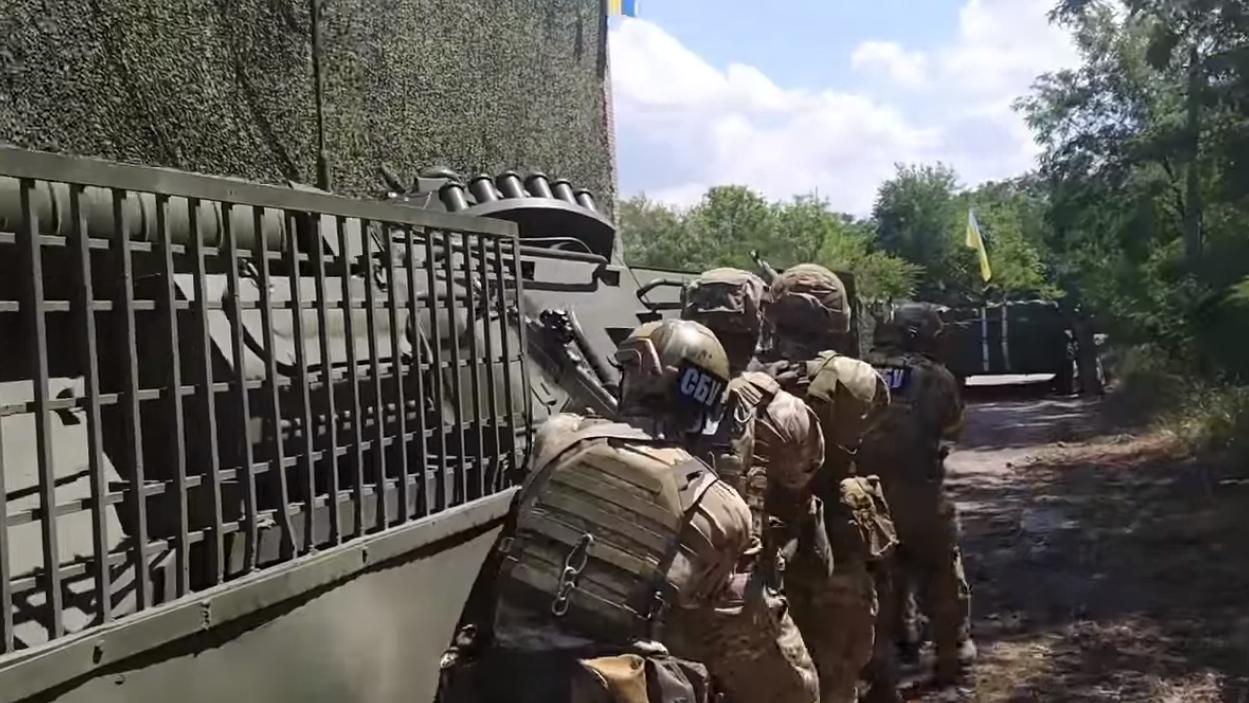 МВД ЛНР: СБУ задерживает мужчин призывного возраста в Донбассе