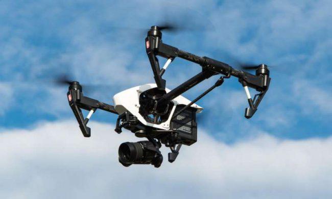 Ученые показали, что произойдет, когда дрон столкнется с самолетом