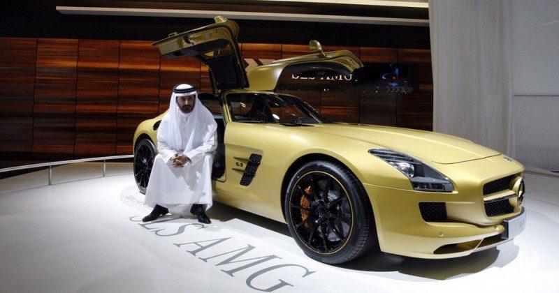 Очередной аттракцион королевской щедрости: жителям ОАЭ простят 100 миллионов долларов долгов