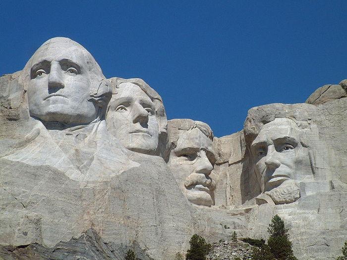 800px-Mount_Rushmore_National_Memorial (700x525, 78Kb)