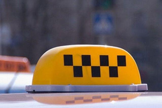 Хабаровского таксиста после инцидента с зеленкой оштрафуют за самоуправство