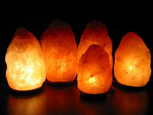Узнайте, как соляные лампы помогают людям избавиться от тревоги